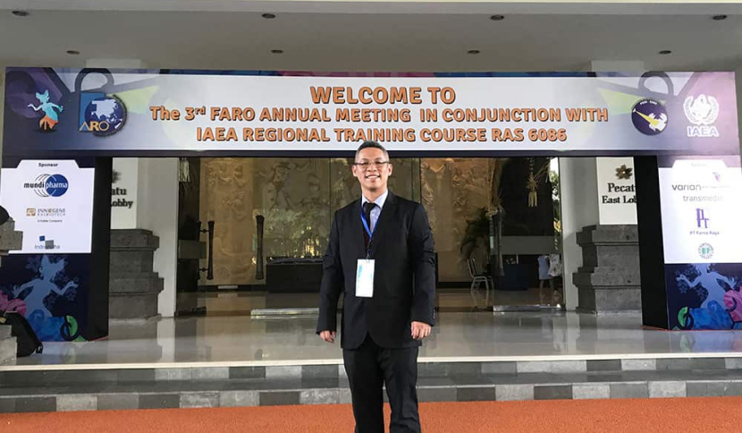 Photo of Dr Johann Tang in an Event